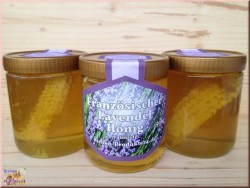 Lavender honey with honeycombs little piece