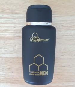 ترطيب محلول مع العسل لجسم الرجل.