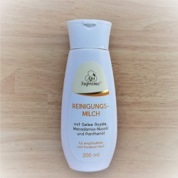 ApiSupreme Cleansing Milk with Royal Jelly.