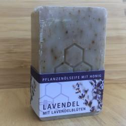 Pflanzenölseife mit Honig und Lavendelblüten