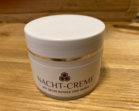 Night Cream with vitamins and minerals